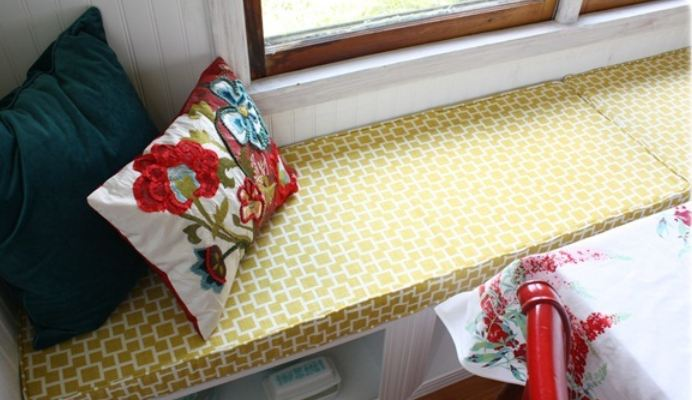 Blogger cozies up with a new window seat cushion